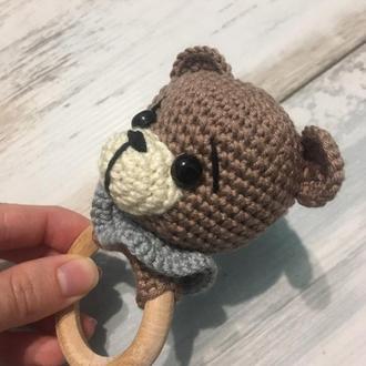 Погремушка вязаная, развивающая игрушка, грызунок, прорезыватель, брязкальце - Мишка