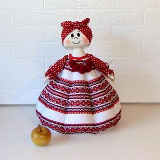 """Баба-грелка для чайника из вышитой ткани темно-красная """"Кристина"""""""