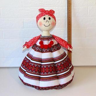 """Баба-грелка для чайника из вышитой ткани красная """"Августина"""""""
