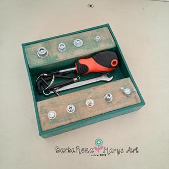 Планка с болтами и инструментами - игровой набор. Монтессори материал. Сенсорный тренажер