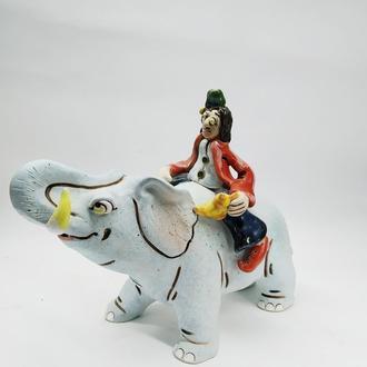Статуэтка керамическая Аладдин на Слоне