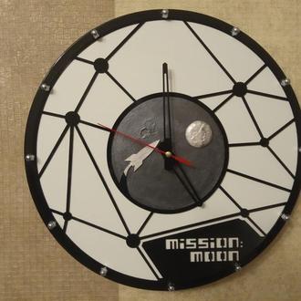 """Настенные часы""""Mission:Moon"""""""