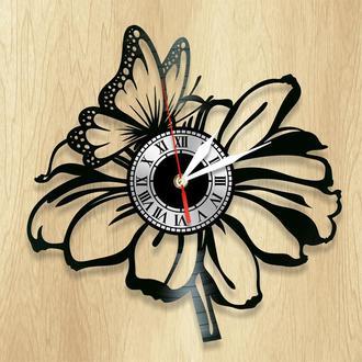 Настенные часы Бабочка на цветке - классный подарок для себя и своих близких.