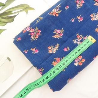 Ткань из хлопка мягкая 39×50 см. Цветы на синем