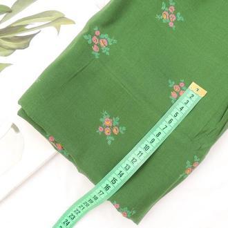 Ткань из хлопка мягкая 39×50. Цветы на зеленом
