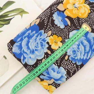 Синтетическая ткань 52×50 см. Цветы на черном