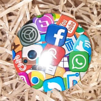 Круглый Значек Значок Для Знатоков И Зависимых От Социальных Сетей