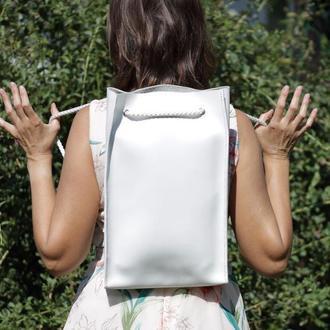 Стильный кожаный женский рюкзак