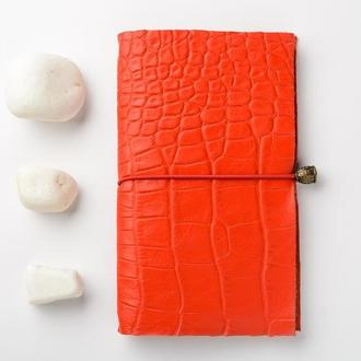 Красный кожаный крафтовый блокнотик