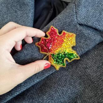брошь кленовый лист