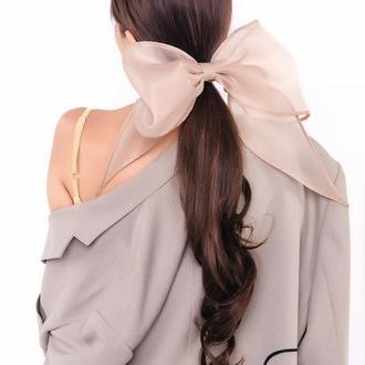 Бежевый бант для волос из органзы Natochka / резинка для волос