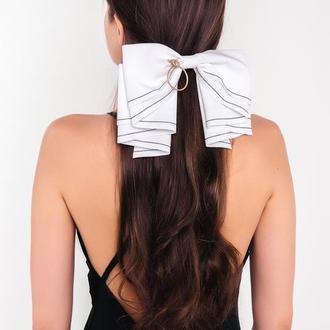 Белый бант с брошью Natochka / заколка для волос