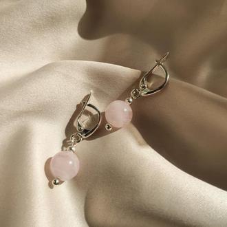Серебряные повседневные серьги с натуральным розовым кварцом на застежке