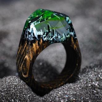 Перстень женское украшение из епоксидной смоли и дерева