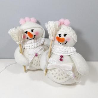 Девочка снеговик на елку Белая елочная игрушка на новый год снеговичок