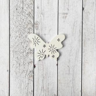 Бабочка деревянная 2*2 см. 1 шт