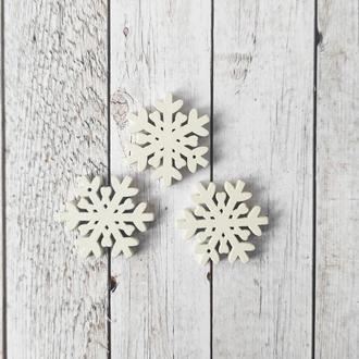 Снежинка деревянная 3*3 см. 1 шт