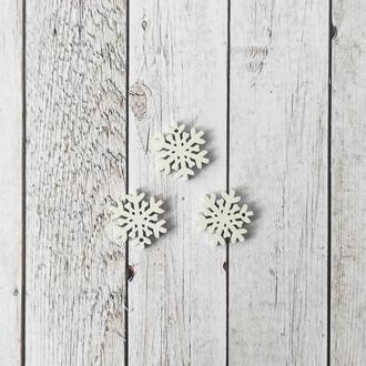 Снежинка деревянная 2*2 см. 1 шт