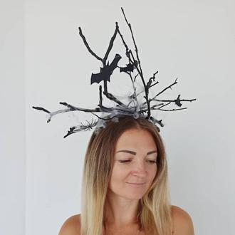 Корона к Хеллоуину Хеллоуин с ветвей деревьев. Лесная ведьма