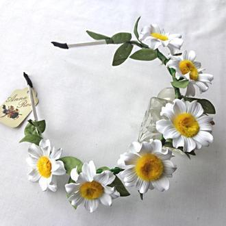 """Обруч для волос с цветами из фоамирана ручной работы """"Белые Ромашки"""""""