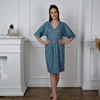 Платье из натурального льна с перламутровыми пуговицами