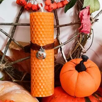 Свеча на Хеллоуин