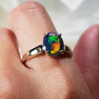Золотое кольцо с тёмным Welo Опалом из Эфиопии