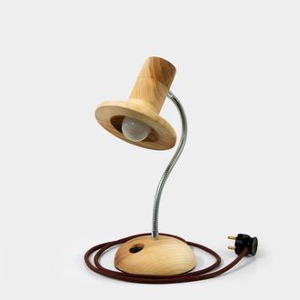 Ясеневая настольная лампа Брыль
