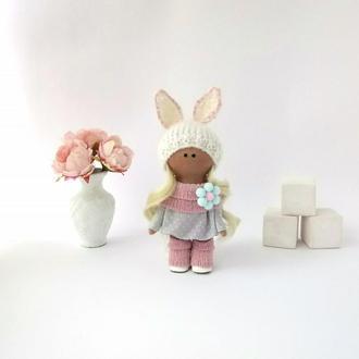 Кукла текстильная маленькая в шапочке зайка
