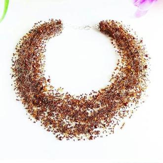 Красивое воздушное колье в коричневое Ожерелье ручной работы из бисера