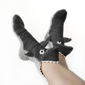 Серые носки-акулы