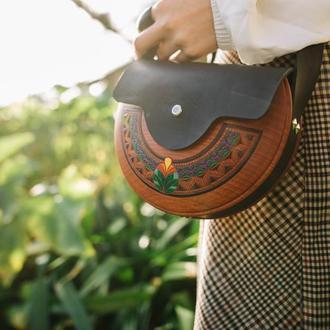 Женская деревянная сумка