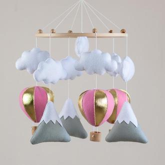 Музыкальный Мобиль для новорожденного - Воздушные шары с горами и облаками №1