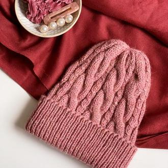 Теплая женская шапка с косами | Розовая шапка