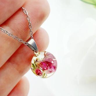Подвеска-сфера с вереском. Кулон с вереском. Украшения из цветов. (модель № 2602) Glassy Flowers
