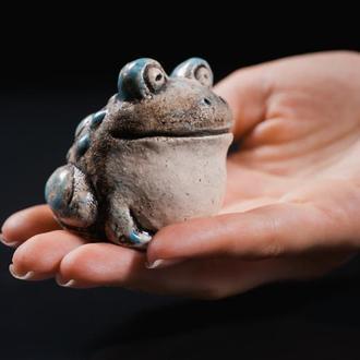 Керамічний жабеня ручної роботи