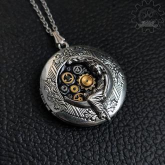 Медальон с посеребренной луной из новой коллекции «Звездное небо» (1 шт)