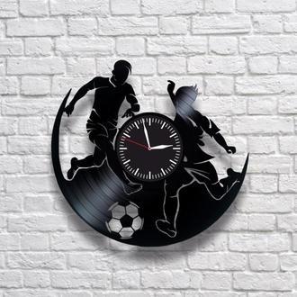 Футбол. Настенные часы из виниловых пластинок (ГРАМПЛАСТИНОК). Уникальный подарок!
