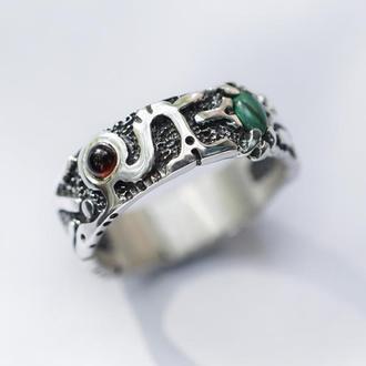 """Мужское широкое кольцо с Гранатом и Малахитом """"NUNTIUS"""""""
