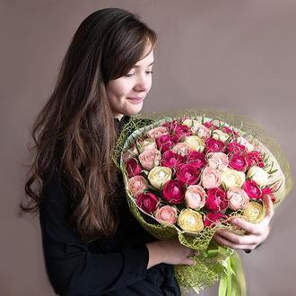 """Букет з цукерок """"Майже 101 троянда"""""""