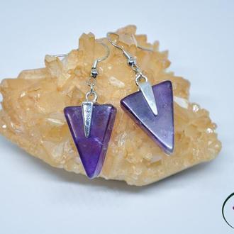 Треугольные серьги с камнями