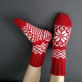 Вязаные носки с рисунком рождество новый год ручная работа