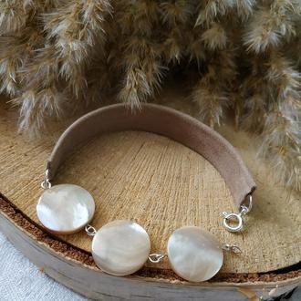 Серебряный кожаный браслет с перламутром ′Полнолуние′