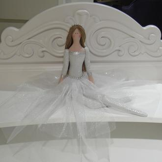 Тильда принцесса в белом платье