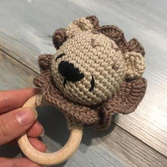 Погремушка вязаная, развивающая игрушка, грызунок, прорезыватель - Мишка