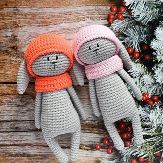 Зайчик -первая игрушка малыша. Эко-игрушка. Мягкий серый зайчик в шапочке. Подарок новорожденному.