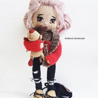 Кукла  школьница с розовыми волосами