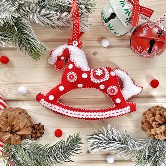 """Новогоднее украшение на ёлку """"Красная лошадка"""""""