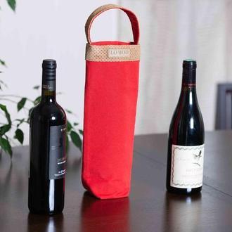 Шоппер для вина красного цвета с ручкой из замши. Эко-сумка для бутылки.