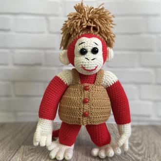 Вязаная игрушка обезьяна.